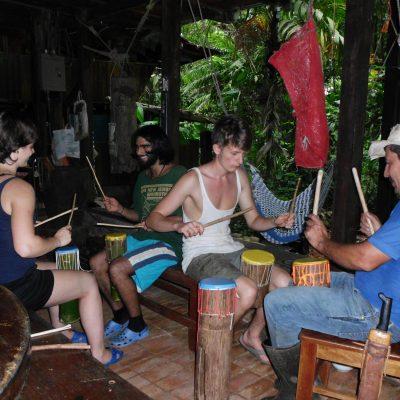 El Sur (CR) Trommelbau und Workshop