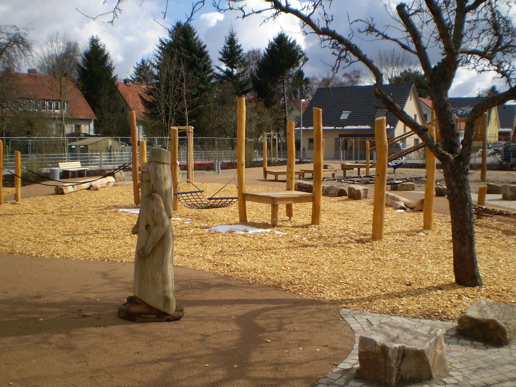 2006 Einhorn und Zauberer – Spielplatz Zauberwald Schlehengarten